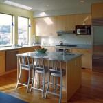 ремонт кухни с барными стульями в квартире фото